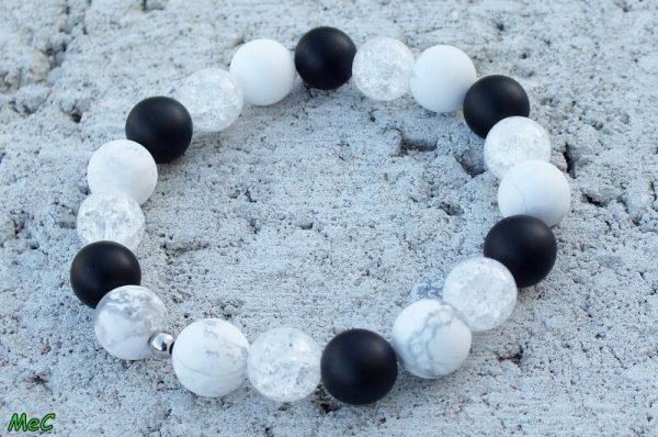 Bracelet cristal de roche howlite onyx mineraux et cristaux