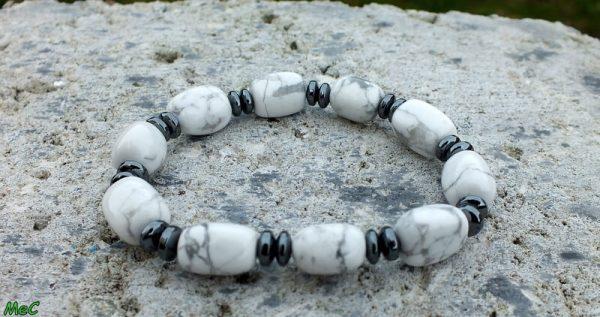 Bracelet howlite et hématite mineraux et cristaux