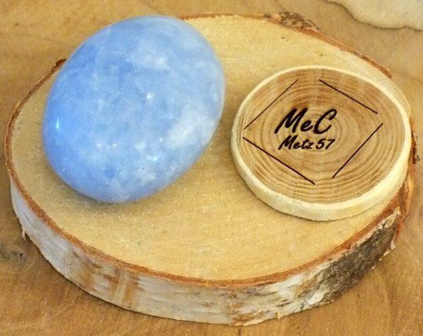 Calcite bleue galet 1 mineraux et cristaux