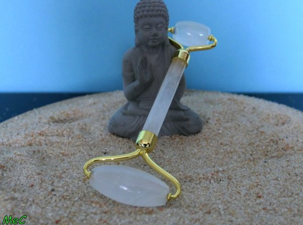 Rouleau de massage cristal de roche minéraux et cristaux