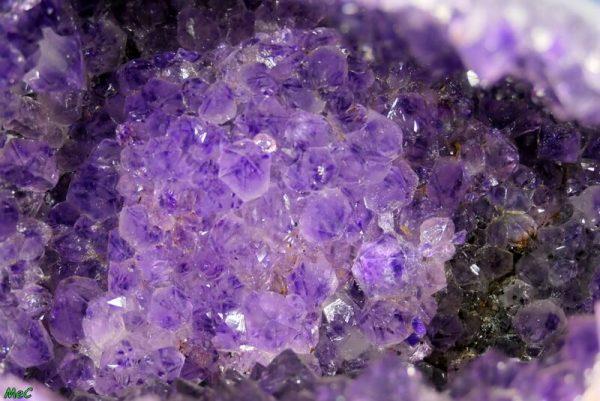 Géode d'améthyste 1 minéraux et cristaux