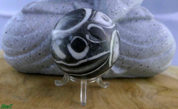 Sphère jaspe zébre minéraux et cristaux 1