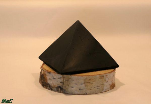 Pyramide shungite pierres et électro protection Minéraux et Cristaux