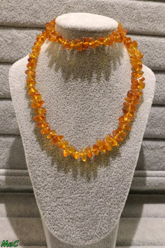 Collier ambre orange Minéraux et Cristaux